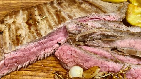 Liellopa_steiks_Bio_gaļa_Steika gaļa_Svaiga_gaļa_NegantiGardi_стейк из говядины_ Beefsteak