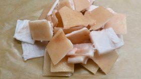 BIO Cūkas ādas gabaliņi (Saldēti)